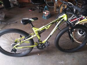 """26"""" HUFFY(21 speed) 5"""" wide tires for Sale in Stockton, CA"""