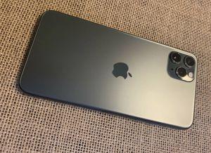 Apple iPhone 11 Pro Max 256GB-Space Gray (Unlocked) for Sale in Las Vegas, NV