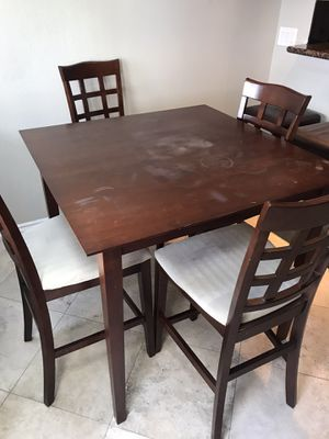 Kitchen Table and Chairs for Sale in Costa Mesa, CA