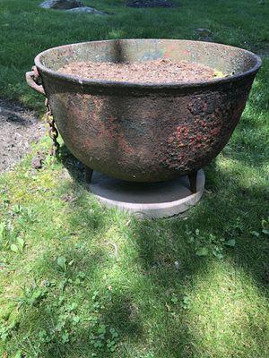 Huge Antique Cast Iron Cauldron for Sale in Lambertville, NJ