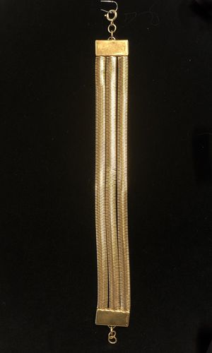 """Modernistic snake chain 8"""" bracelet gold tone for Sale in Coraopolis, PA"""