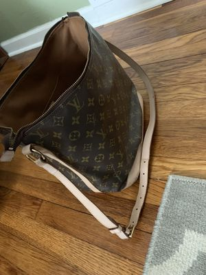 Louis Vuitton Tote bag for Sale in Finleyville, PA