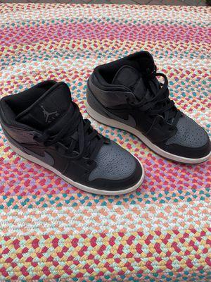 Air Jordan 1 Retro Mid GS 'Black Dark Grey' size 6Y like new for Sale in Miami Lakes, FL