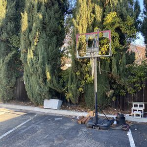 Free Basketball Hoop For Part Or Metal Crap for Sale in Union City, CA