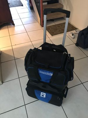 Brunswick Razor 4 Ball Rolling Bowling Bag. Black/ Blue. New Condition Separate shoe compartment holds up to size 15 shoes. Multiple front and side a for Sale in Pembroke Pines, FL