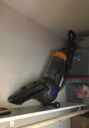 Dyson Ball Upright Vacuum Cleaner Multifloor Original Clean OBO for Sale in Garden Grove, CA