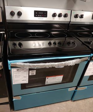 """^^^New Stainless Frigidaire"""""""" 5 Burner Electric Stove Oven..1 Year Manufacturer Warranty for Sale in Chandler, AZ"""