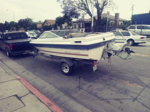 Bayliner boat needs work $300 with tralier for Sale in Los Angeles, CA