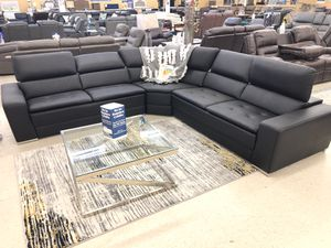 BRAND NEW SECTIONAL SOFA BLACK for Sale in Fort Worth, TX