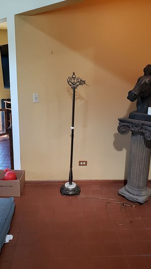 Antique brass and marble floor lamp/ needs bridge for Sale in Snohomish, WA