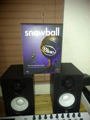 BLUE (SNOWBALL MIC) BRAND NEW IN THE BOX for Sale in Miami, FL