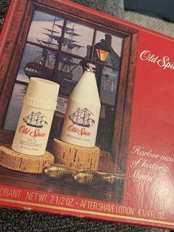 Vintage Old Spice After Shave Lotion 4 3/4 oz Stick Deodorant 2 1/2 oz Gift Set for Sale in Saddle Brook,  NJ