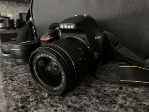 Nikon D3500 for Sale in San Diego, CA