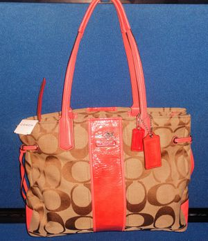 Coach signature Charlie khaki Coral purse bag for Sale in Hyattsville, MD