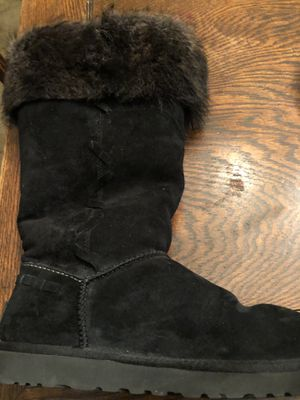 Ugg size 9 for Sale in Burlingame, CA
