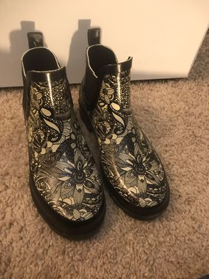 Sakroot women's 6 rain boots for Sale in Aurora, CO