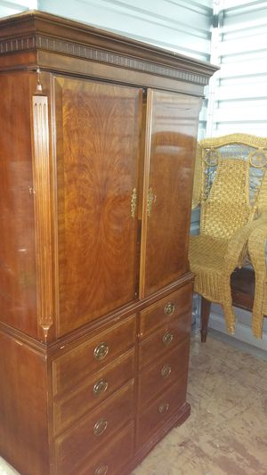 Drexel armoire antique for Sale in Ellenwood, GA