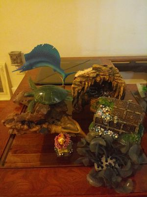 Fish tank Supplies and Decor for Sale in Lansing, IL