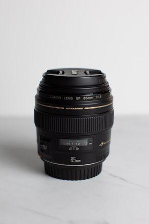 Canon EF 85mm f1.8 Prime Lens for Sale in Scottsdale, AZ