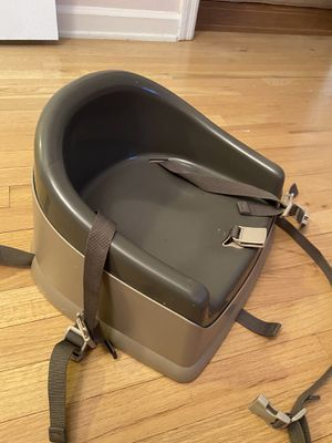 Toddler booster seat for Sale in Chamblee, GA