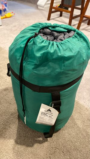Ozark Trail cold weather sleeping bag for Sale in Clifton, NJ