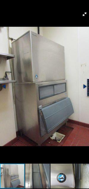 Ice machine for Sale in Desert Hot Springs, CA