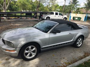 2006 Ford Mustang automatic for Sale in Fort Lauderdale, FL