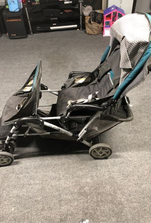 Duo glider double stroller for Sale in Newark, CA