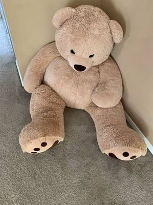 Huge teddy bear for Sale in Alexandria, VA