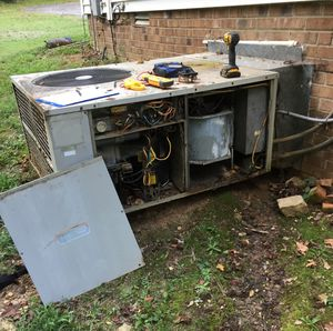 Carrier ac unit/heat pump for Sale in Raleigh, NC