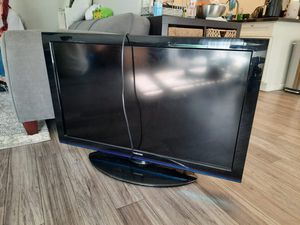 """40"""" Toshiba TV for Sale in Los Angeles, CA"""