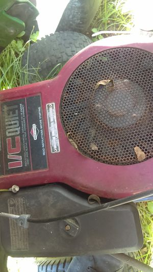 14.5 brigg and Stratton riding mower motor for Sale in Macclesfield, NC