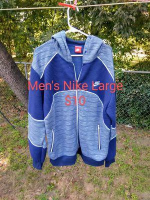 Men's Nike hoodie Large for Sale in LRAFB, AR