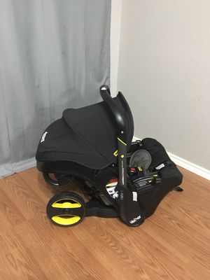 Doona Car Seat / Stroller for Sale in Fort Worth, TX