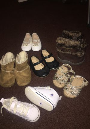 Baby girl shoes size 4C!!! $7 for boots $5 for Converse and $4 for all others!!! for Sale in Dayton, OH