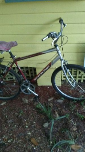 Schwinn CR MO Bicycle for Sale in Jacksonville, FL