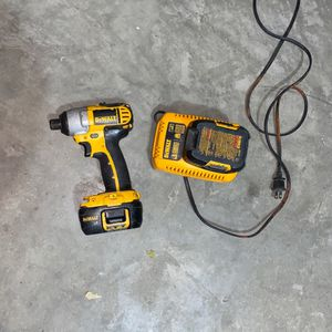 Dewalt 18 Volt Drill for Sale in Tracy, CA