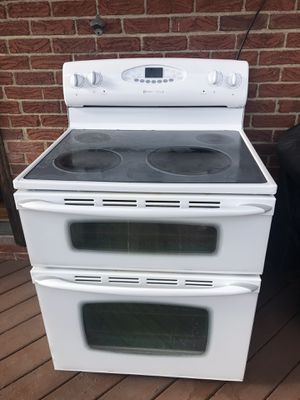 Maytag dutch Oven Elect. Oven/stove and GE Microwave for Sale in Pittsburgh, PA