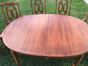 Dining Room Table- Kitchen Table- Extension Leaf- Table Protectors- Chairs- Bernhardt - Great Price! for Sale in Baldwin Park, CA
