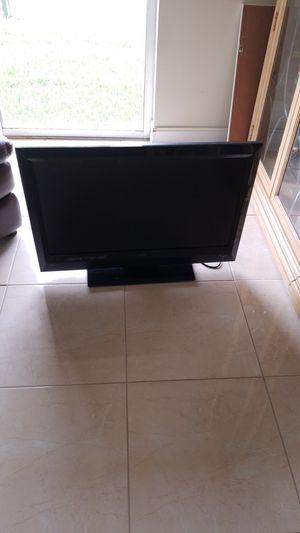Vizio 32 inch TV for Sale in Boynton Beach, FL
