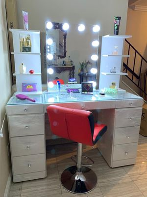 Hollywood BLUETOOTH Vanity MIRROR for Sale in Whittier, CA