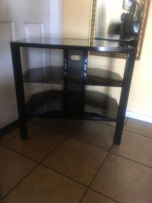 Tv stand 30 wide 28 tall inches for Sale in Bell, CA
