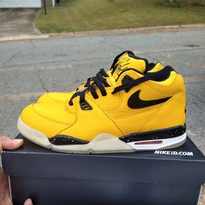 $110 Local pickup Size 10.5 only Nike Air Flight 89 Air Jordan 12 University Gold Near Deadstock Only worn once for Sale in Norcross, GA