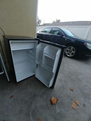 Magic chef mini fridge for Sale in Orange, CA