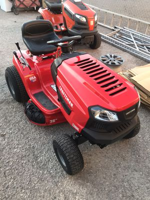 Craftsman 36 in. W Mulching Capability Lawn Tractor for Sale in Las Vegas, NV