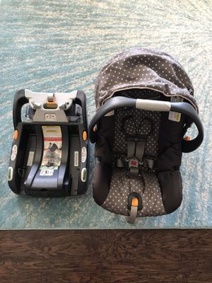 Chicco Keyfit 30 Car Seat with Base for Sale in Fort Worth, TX