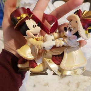 Disney Parks Victorian Mickey & Minnie Ice Skating Christmas Ornament for Sale in Tacoma, WA