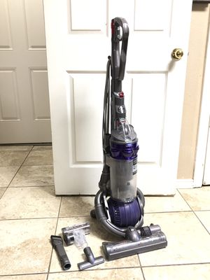Dyson DC25 Animal Upright Ball Bagless Vacuum Cleaner for Pet Owners for Sale in Arlington, TX