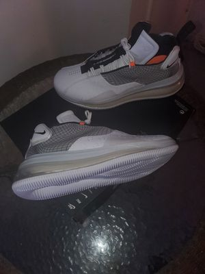NIKE AIR MAX 720 MEN SHOES NEW for Sale in Orange, CA