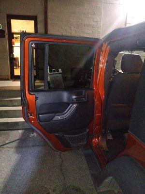 New door glass 2014 Jeep Wrangler Unlimited sport for Sale in Marietta, GA